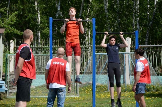 Омские школьники приняли участие в фестивале ГТО.