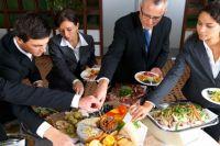 38% красноярцев тратят на обед от 100 до 200 рублей.