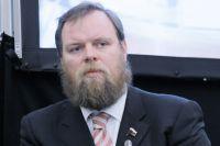 Дмитрий Ананьев распродаёт активы, отбыв на Кипр.