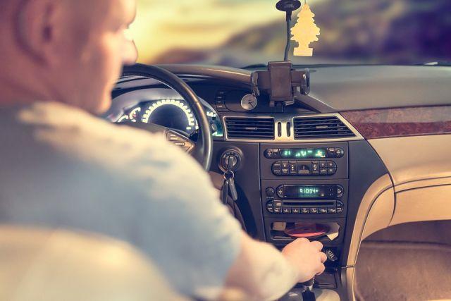 Медики предупреждают, что монотонные пейзажи могут привести водителя к усталости и сну.