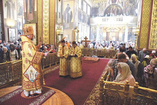 Митрополит  Иоанн совершил Божественную литургию в кафедральном соборе Белгорода.