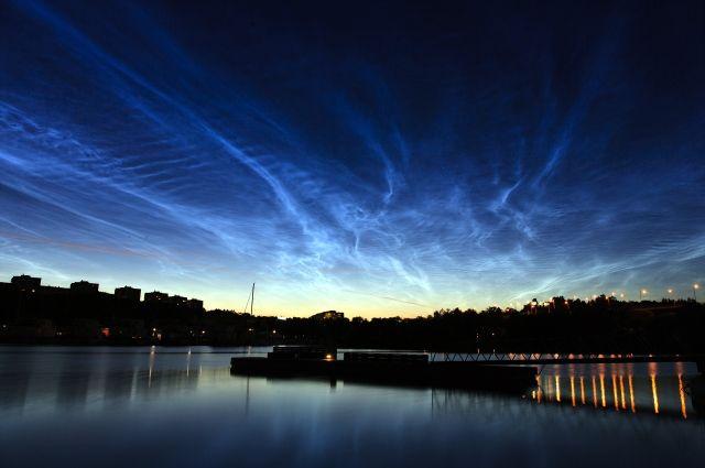 Серебристые облака любят снимать фотографы всего мира.