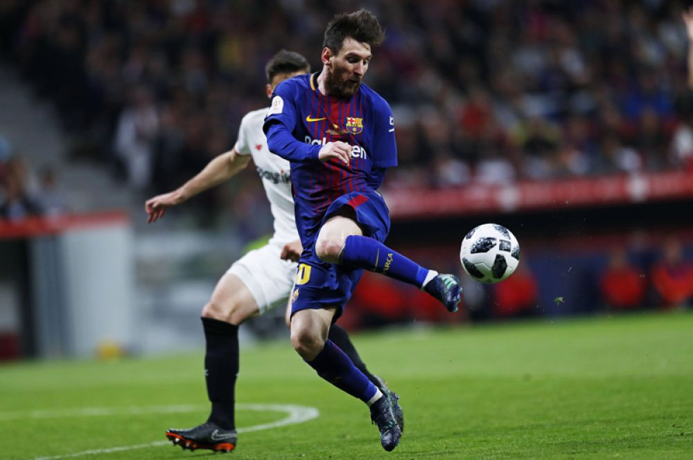Благодаря новому контракту с «Барселоной» Лионель Месси впервые опередил Роналду в рейтинге самых высокооплачиваемых футблистов. Общий доход капитана сборной Аргентины составил 111 млн долларов.