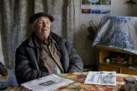 Пенсионер признаётся, что деньги изначально копил на благоустроенное жильё.