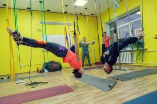 Занятия на верёвочных тренажёрах подходят даже для людей, с низким уровнем физической подготовки.