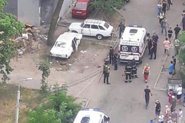 В Киеве возле детского сада взорвался автомобиль: пострадали четыре ребенка