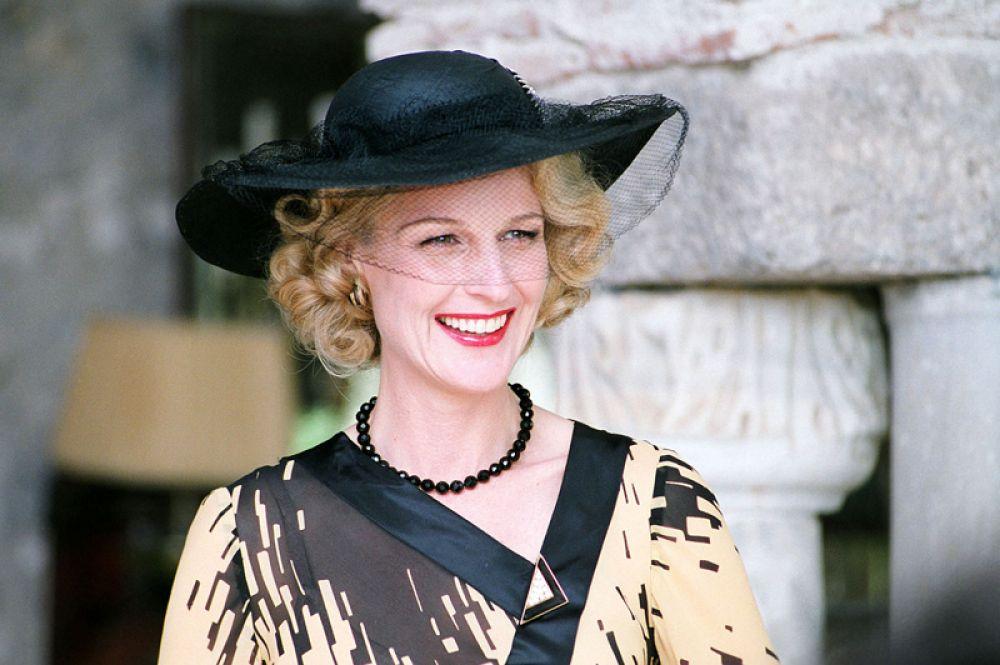«Хорошая женщина» (2004) — миссис Эрлин.