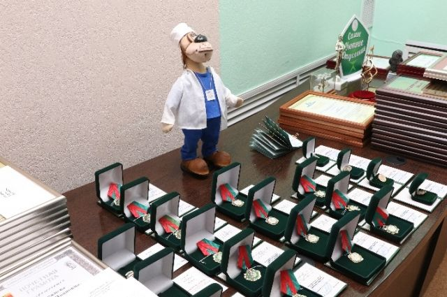 В Кемерове поздравили медицинских работников с профессиональным праздником.