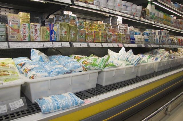 По данным УФАС заводы снизили не только стоимость, но и объём закупок сырья, а количество выпускаемой продукции осталось прежним.