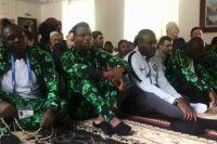Футболисты сборной Нигерии празднуют Ураза-байрам в Калининграде.