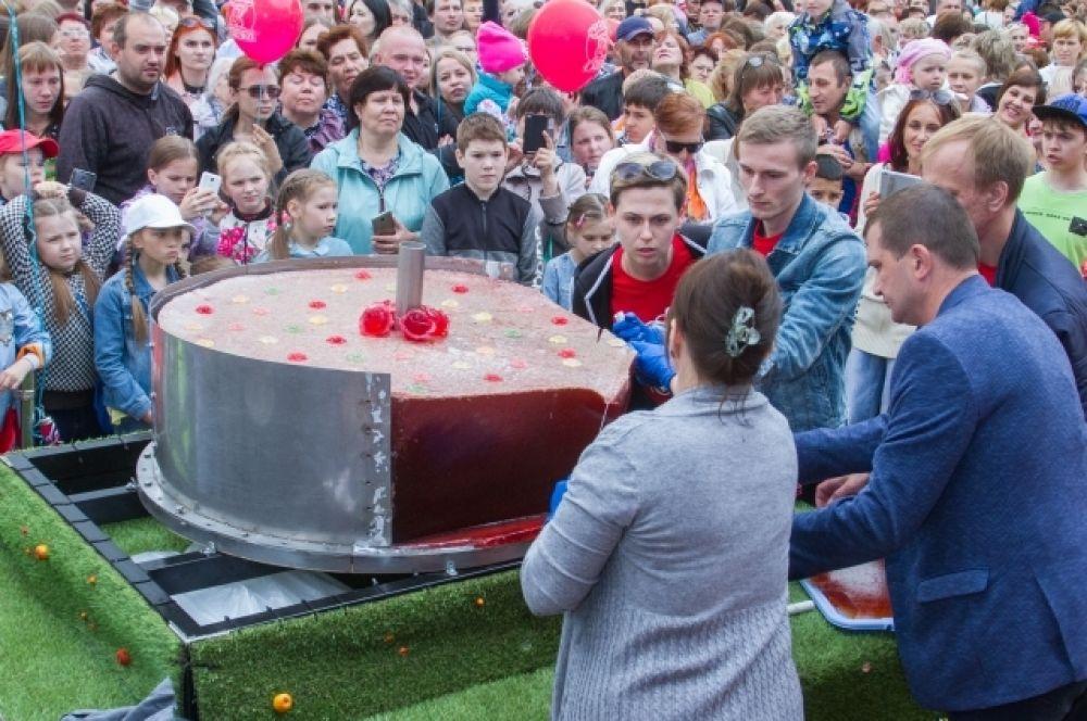 Сама большая мармеладка в России