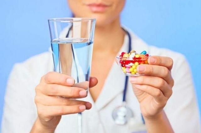 Картинки по запросу gif запивать лекарство