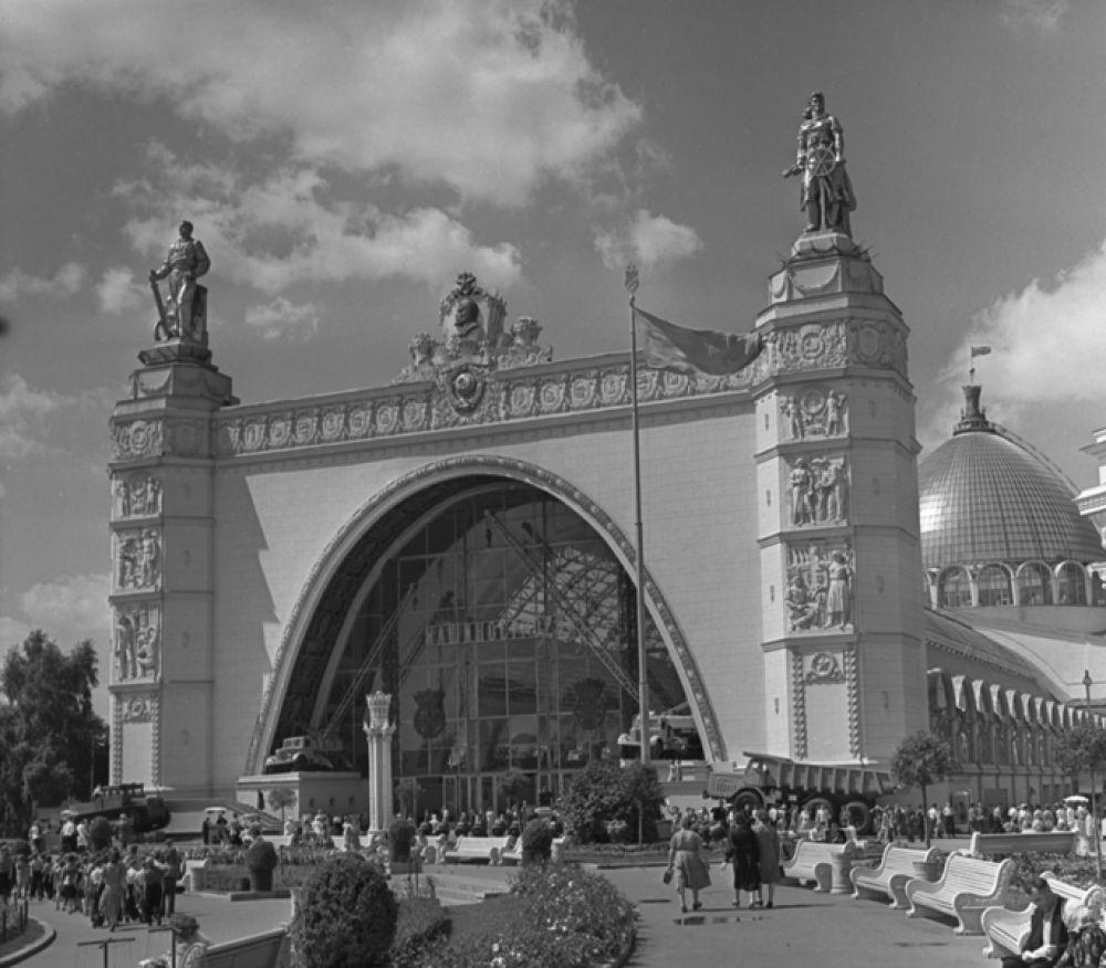 Павильон «Машиностроение». 1958 год.