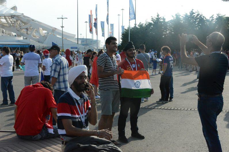 Эти ребята прилетели из Индии.