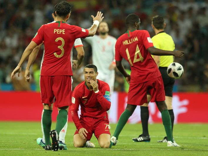 Роналду поднял дух команды во время матча.