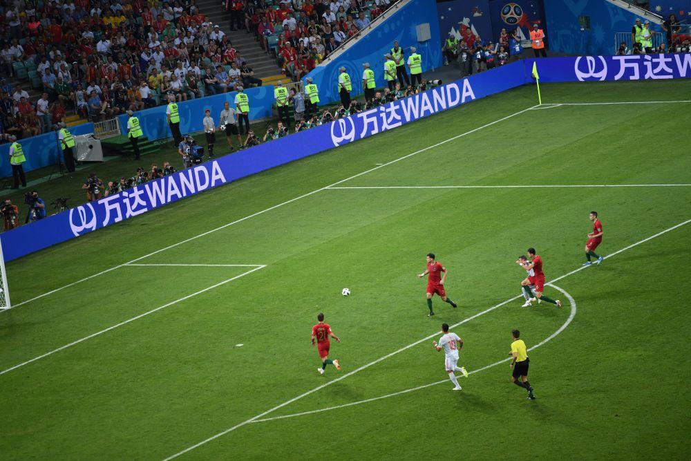 На 44-й минуте Роналду повторил гол в ворота противника. На 54-й (Коста) и 57-й (Начо Фернандес) минутах испанцы забили сразу два мяча  - счёт стал 3:2.
