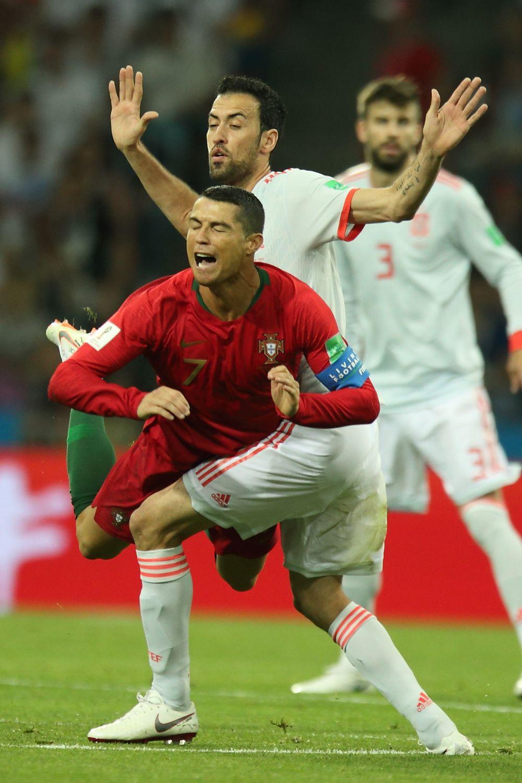 После первого тайма испанцы были уже не так уверены в себе.