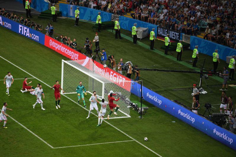 Криштиану Роналду забил первый гол на третьей минуте матча.