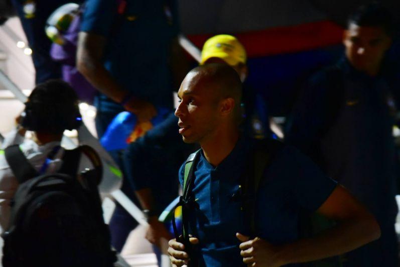 В донской столице любимцев ожидают уже тысячи поклонников футбола, многие из них прибыли из солнечной Бразилии.