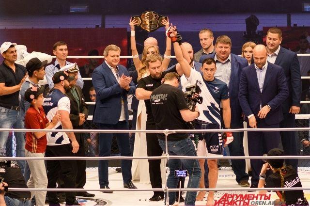 Оренбуржец Дамир Исмагулов стал победителем титульного поединка M-1 Global.