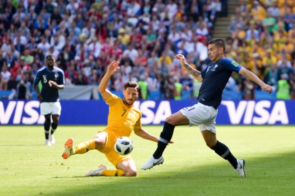 Австралийцы отыгрались спустя 4 минуты и тоже с пенальти.