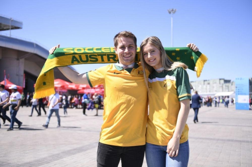 Большинство болельщиков Австралии пришли на стадион в желтых футболках – под цвет формы своей сборной.