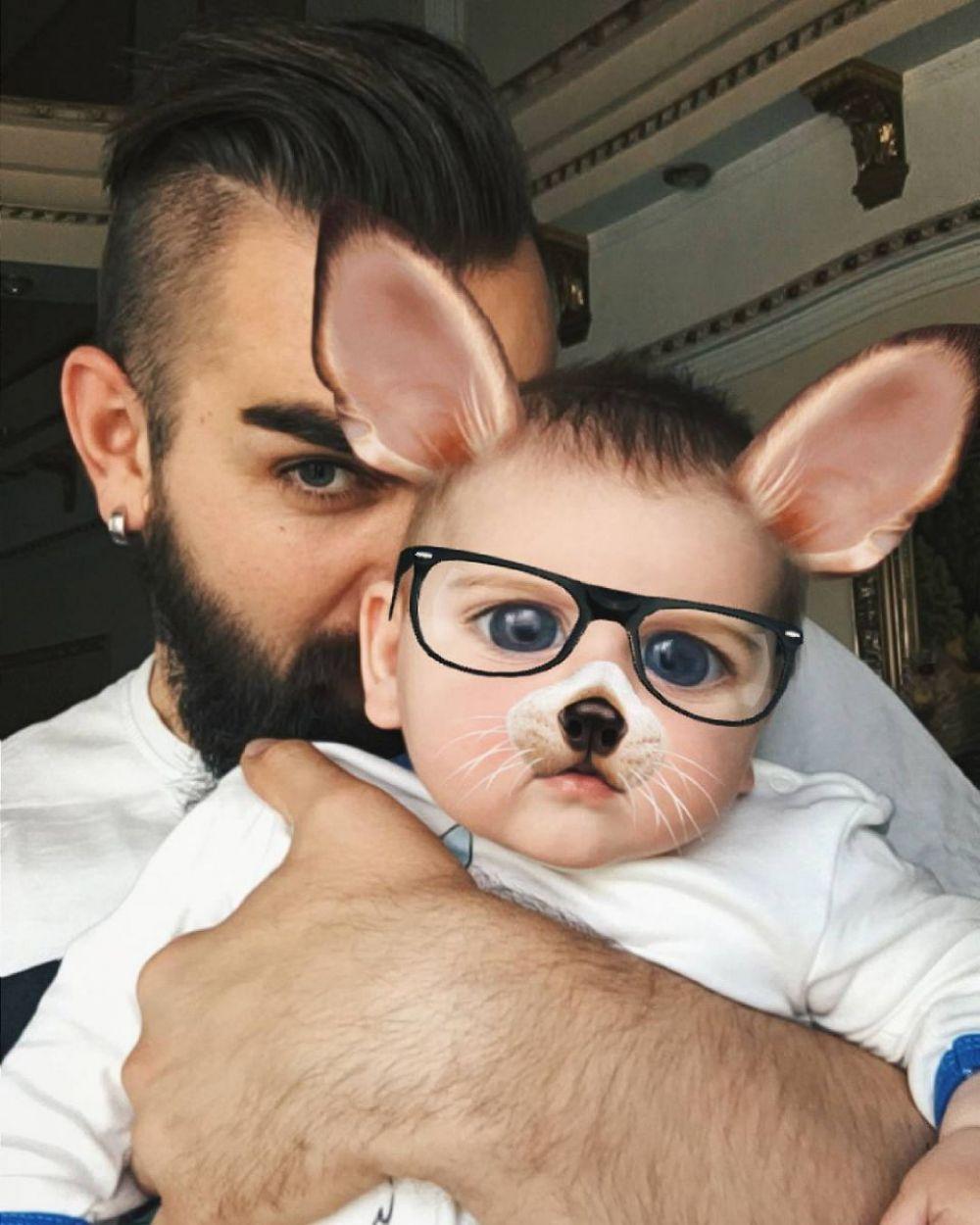 Участник и продюсер группы The Hardkiss Валерий Бебко вместе с солисткой коллектива Юлией Саниной воспитывают сына Даниила.