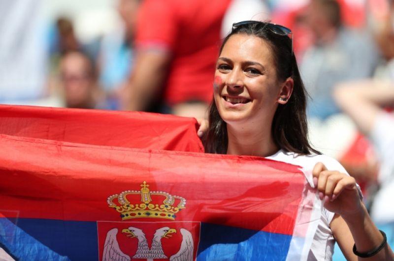 Болельщица сборной Сербии.