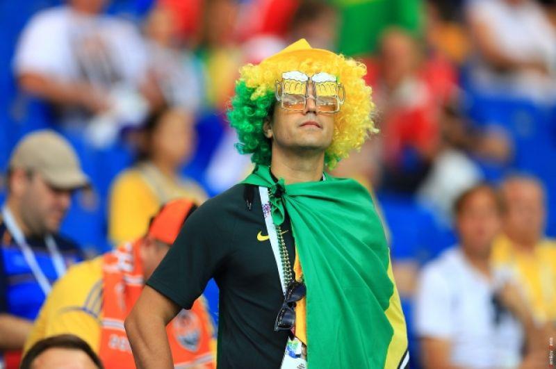 Особенно яркие образы - у фанатов Бразилии.