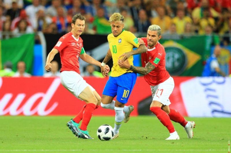 Бразильцы были активнее: статус пятикратных чемпионов не позволял вести себя иначе.
