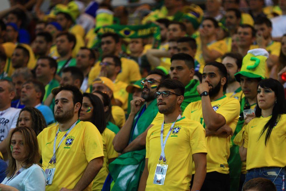 Бразильские болельщики в финале встречи.