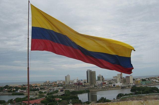 Лидирует кандидат отправых— Выборы президента Колумбии
