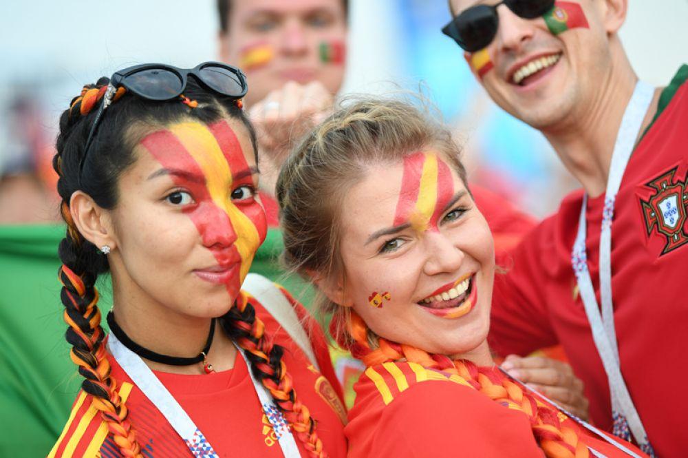 Испанские болельщицы на матче Португалия - Испания в Сочи.