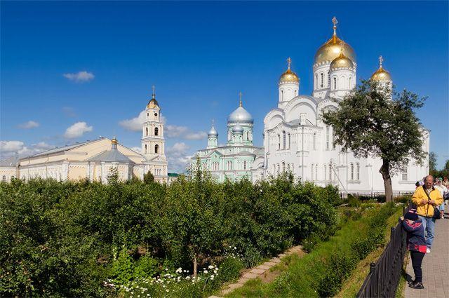 Дивеевский монастырь. Святая Канавка.