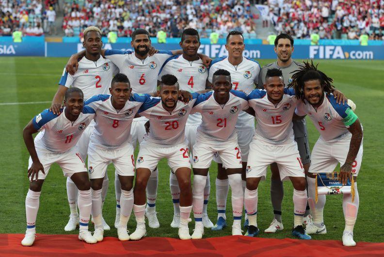 Сборная Панамы перед матчем.