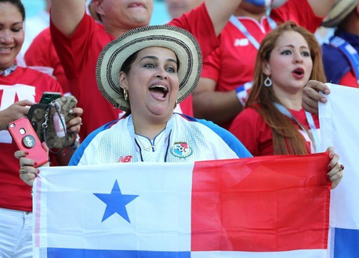 Колоритная болельщица из Панамы.