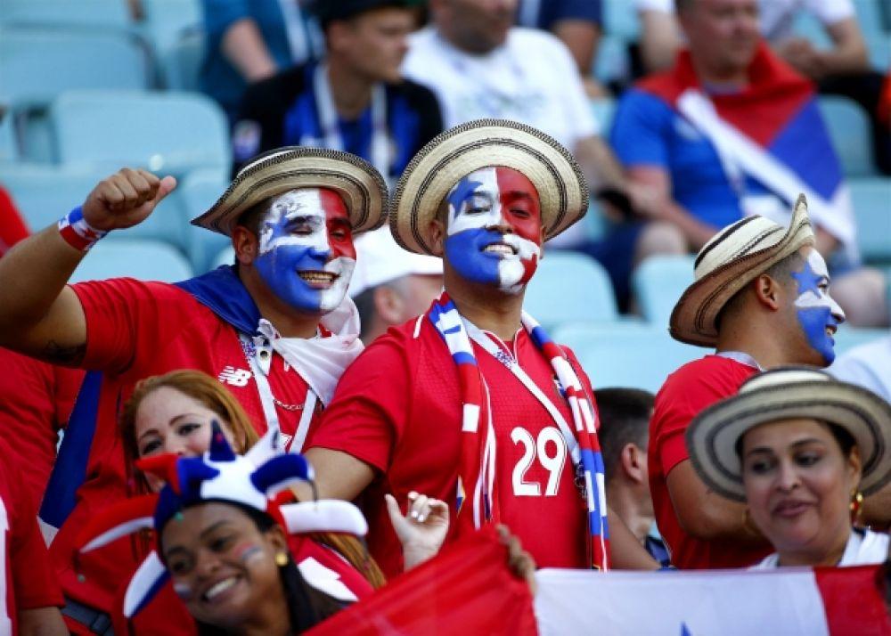Фанаты сборной Панамы в национальных головных уборах.