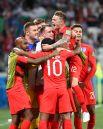 Объятия англичан после победного мяча.