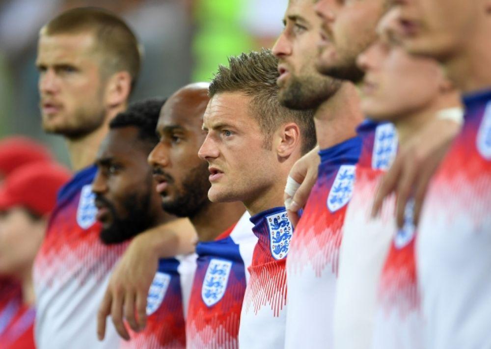 Сборная Англии перед матчем.