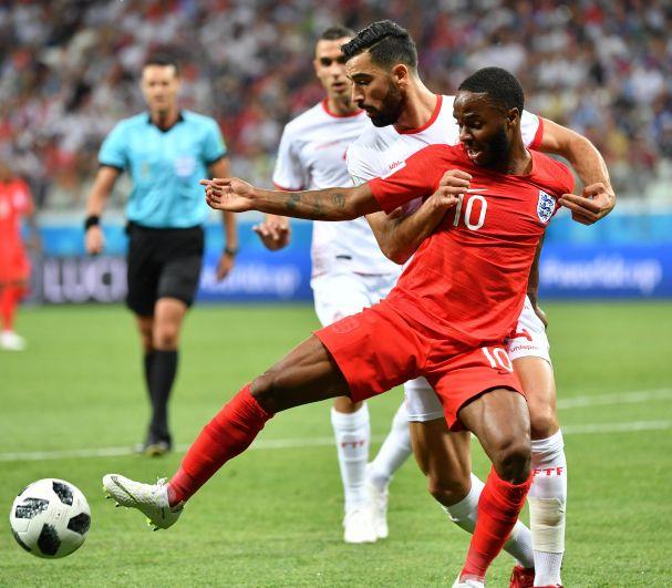 После того, как Тунису удалось сравнять счёт, англичане надолго увязли в безрезультативной борьбе.