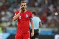 Англия победила, но, что называется, со скрипом. К тому же играть пришлось в тучах мошкары. На фото - капитан сборной Англии, лучший игрок матча Гарри Кейн.