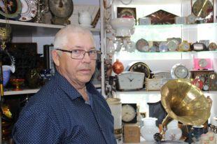 Коллекционирование и восстановление старинных вещей стало главным делом в жизни Владимира Савелова.