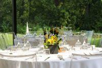 При составлении банкетного меню на выпускной следует учитывать пожелания и вкусовые пристрастия гостей вечера.
