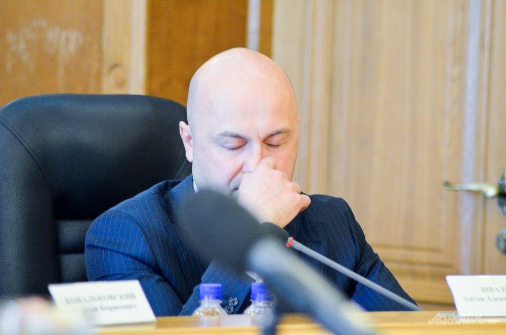 Справедливорос Антон Швалёв.