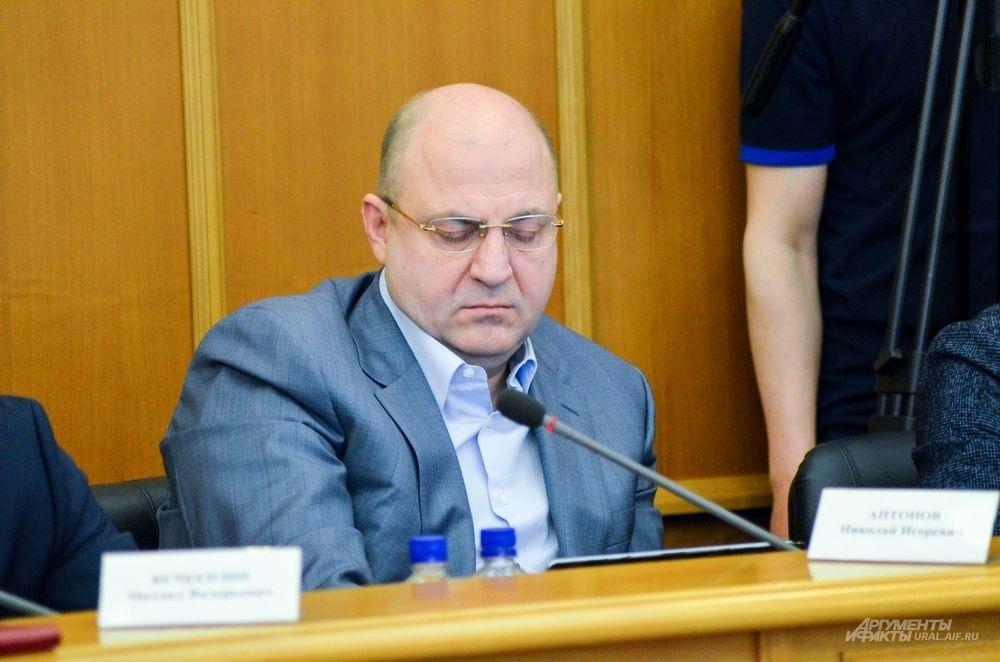 Депутат Николай Антонов.