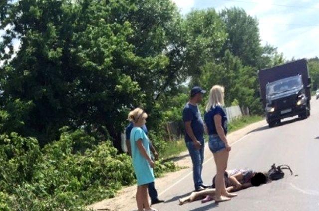 Писуши женщин на улице