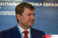 Глава Красноярска сел за руль газонокосилки.