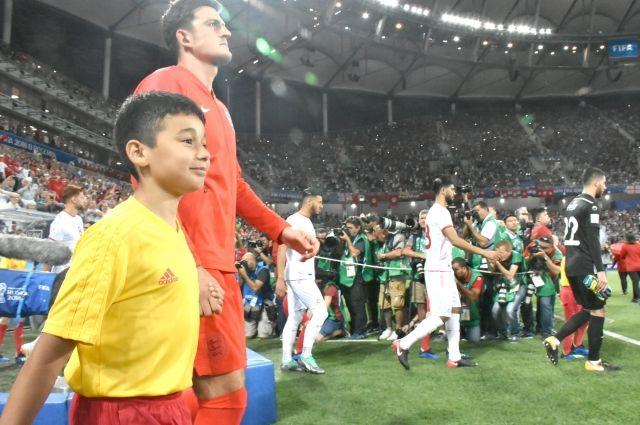 Амир верит, что тоже станет известным футболистом, как и защитник Харри Магуайр, которого он выводил на поле.