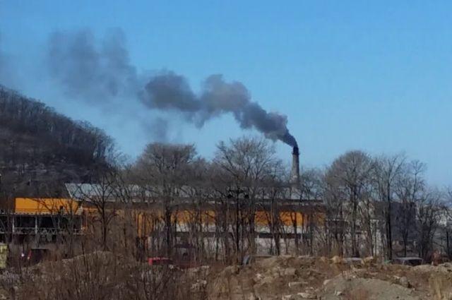 Дым от сжигаемого мусора травит жителей краевого центра.