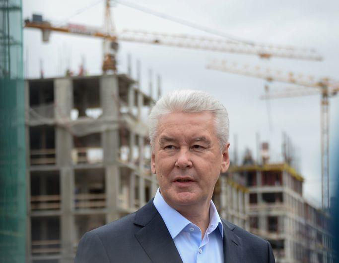 В 2017 году стартовала программа реновации, рассчитанная на 15 лет. По результатам голосования москвичей, в нее должны войти 5 тысяч домов. После реализации программы жители снесенных пятиэтажек получат не только новые дома, но и комфортное пространство около дома.